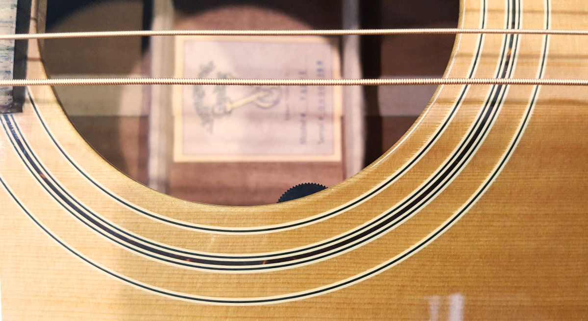 Ultra Tonic sound hole mount